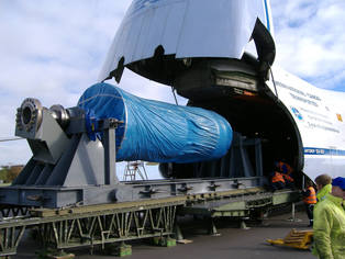Loading of a 53t Rotor on skid into an Antonov